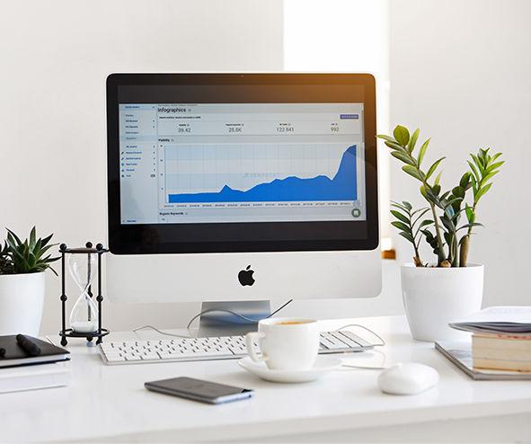desks-with-a-mac